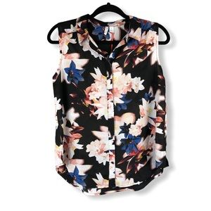 Sleeveless Flowered Button Up Collared Top NWT S